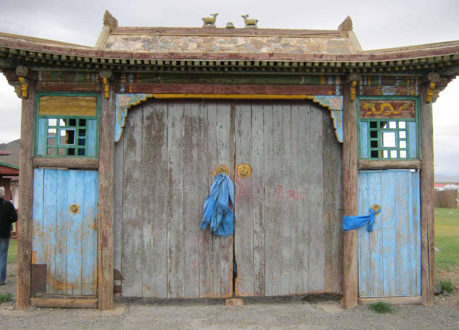 Buddhistische Klöster finden sich im ganzen Land, auch wenn viele von ihnen während der Kulturrevolution in den 1930er Jahren zerstört worden sind