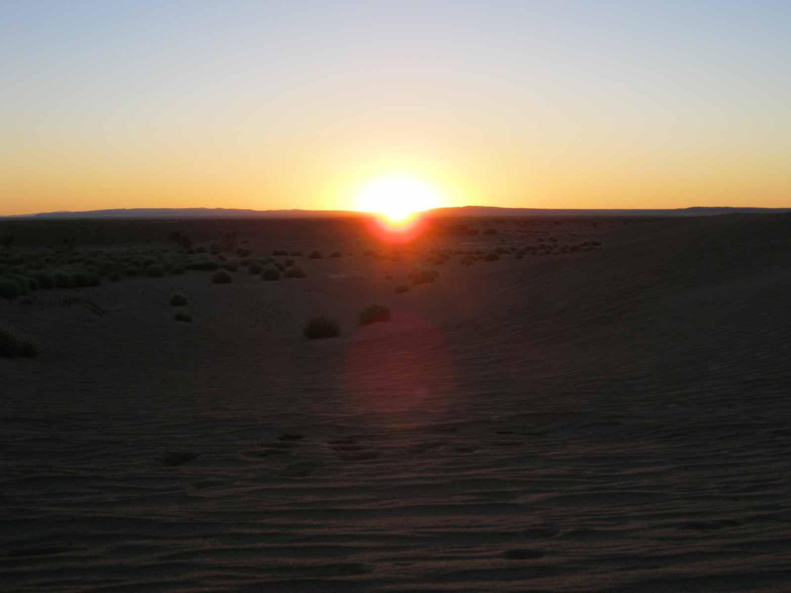 Atemberaubende Sonnenuntergänge in der Gobi